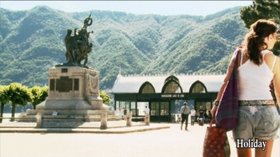 Squares of Lake Como (1)